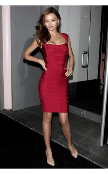 Miranda Kerr in a belted red dress by Hervé Léger Collection 2015 2016