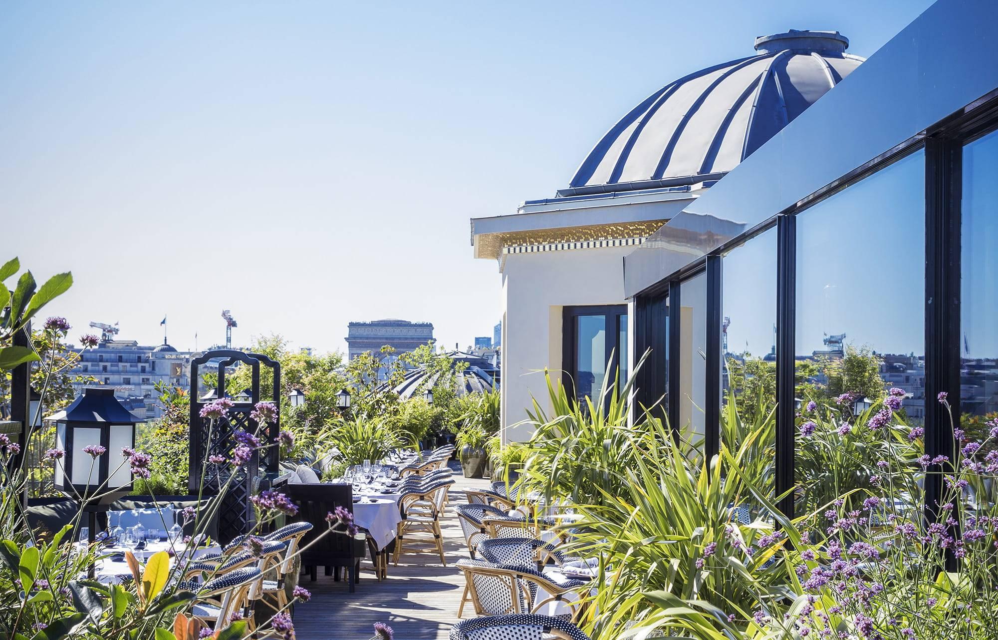 5-rooftops-a-decouvrir-absolument-a-Paris-pour-cet-ete-2021-4