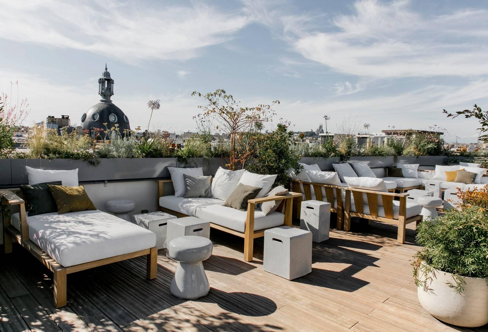 5-rooftops-a-decouvrir-absolument-a-Paris-pour-cet-ete-2021-6