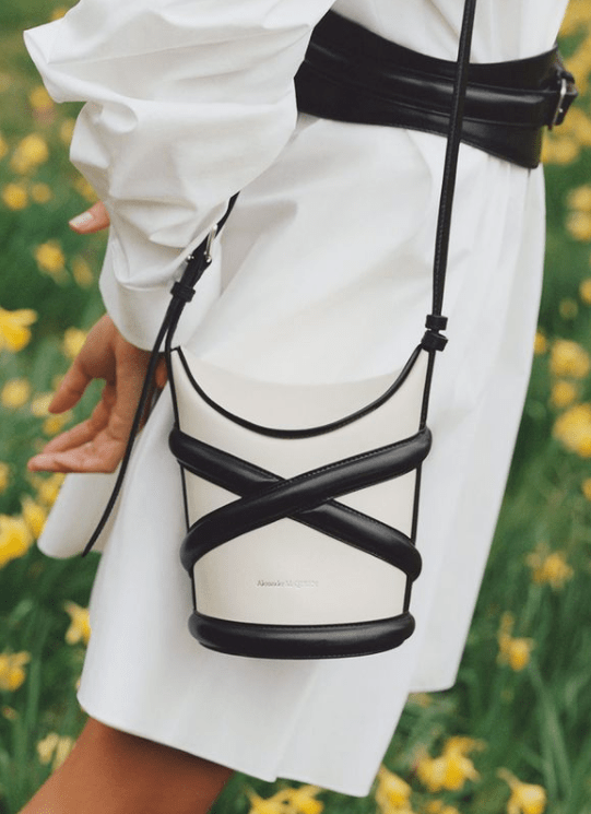 Notre-avis-2021-Les-meilleures-boutiques-e-commerce-de-mode-luxe-pour-femmes-1